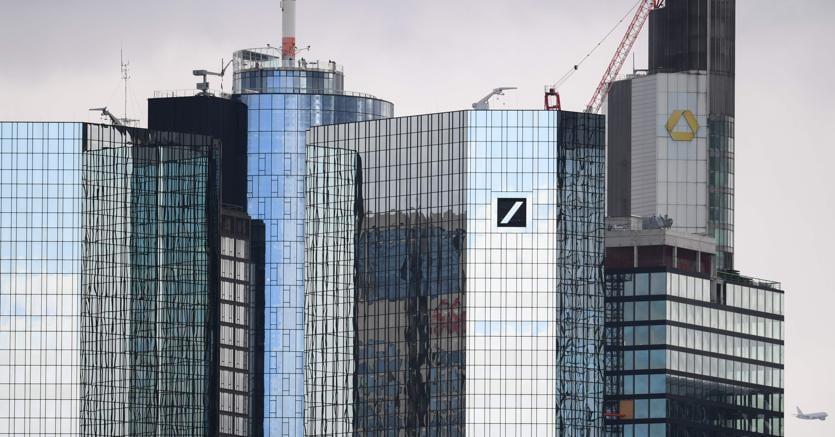 Le sedi delle due banche a Francoforte (Afp)
