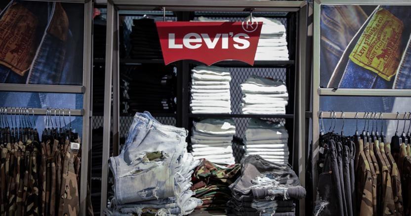 Jeans Levi's volano a Wall Street, +32% - Economia