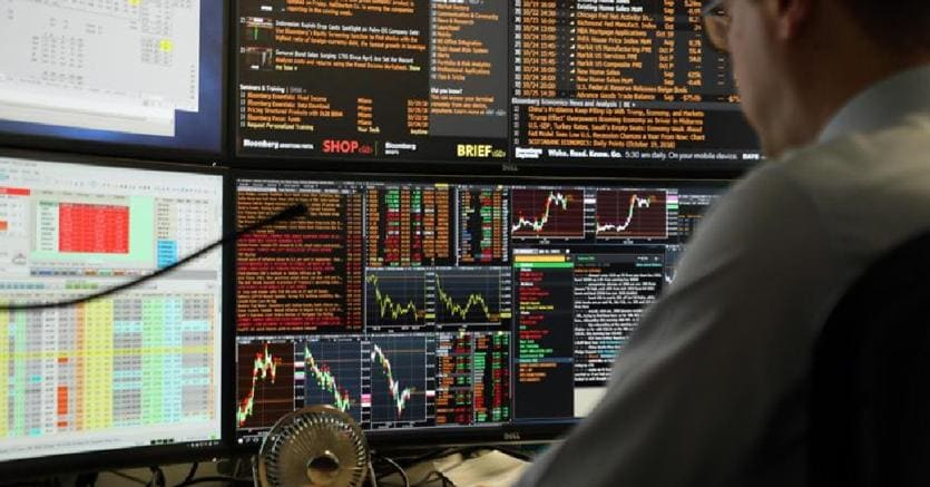 b596d61344 I dati macro mandano ko l'Europa. Wall Street chiude in forte calo ...