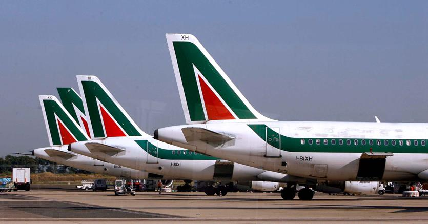 Aut aut su Alitalia, FS decida o si liquida