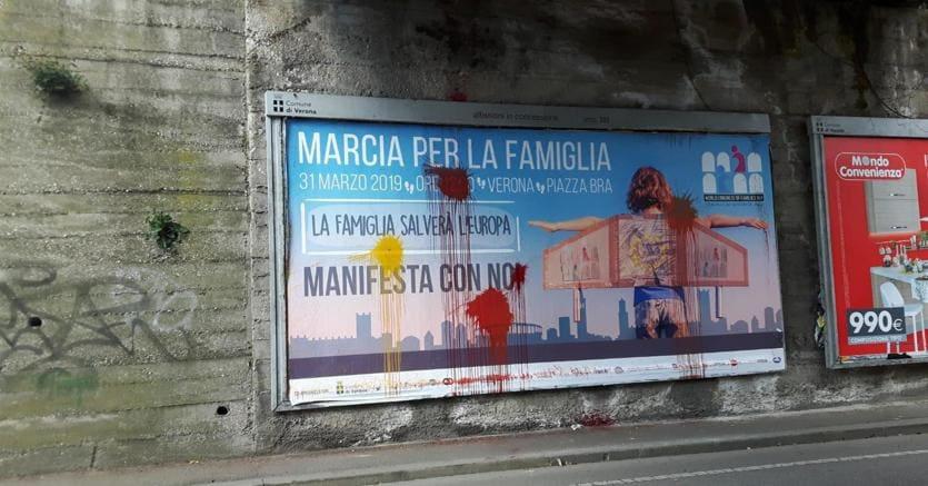 Un manifesto del Congresso mondiale delle famiglie (Ansa)
