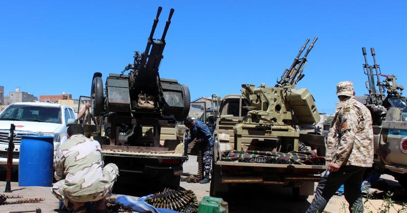 Milizie di Misurata alle porte di Tripoli (foto Ansa)