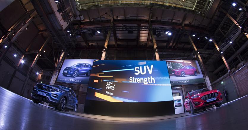 Alla presentazione del nuovo modello ibrido ad Amsterdam, all'inizio di aprile, il presidente di Ford Europe, Steven Armstrong ha detto che per l'industrioa dell'auto una hard Brexit avrebbe effetti disastrosi