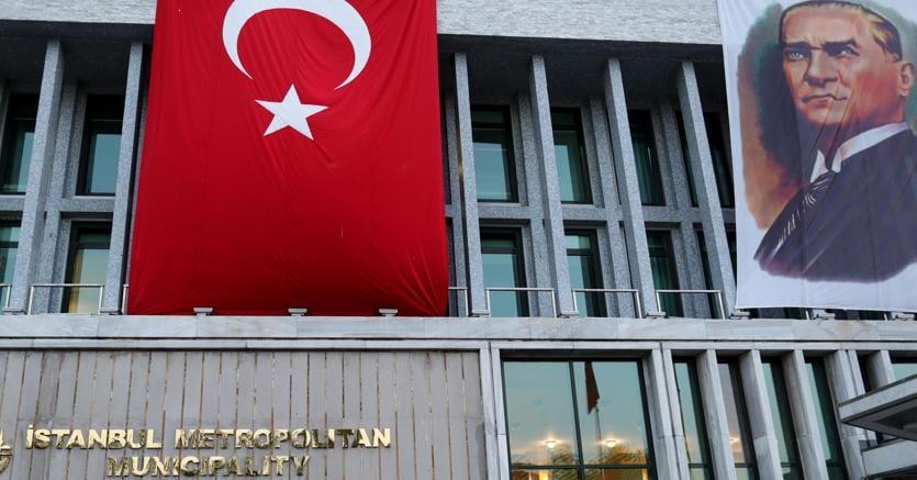 La sede del Comune di Istanbul (Epa)
