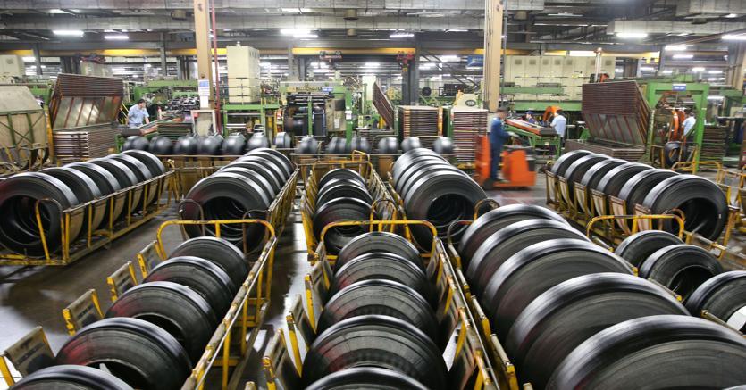 A marzo torna a calare la produzione industriale