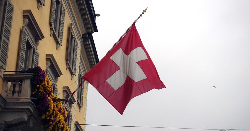 Svizzera: Sì a norme più severe su armi