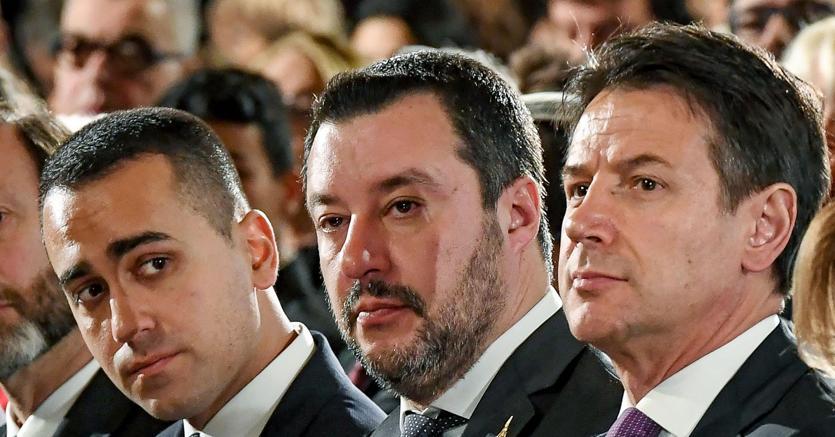 Da sinistra a destra, Luigi Di Maio, Matteo Salvini e Giuseppe Conte (foto Ansa)