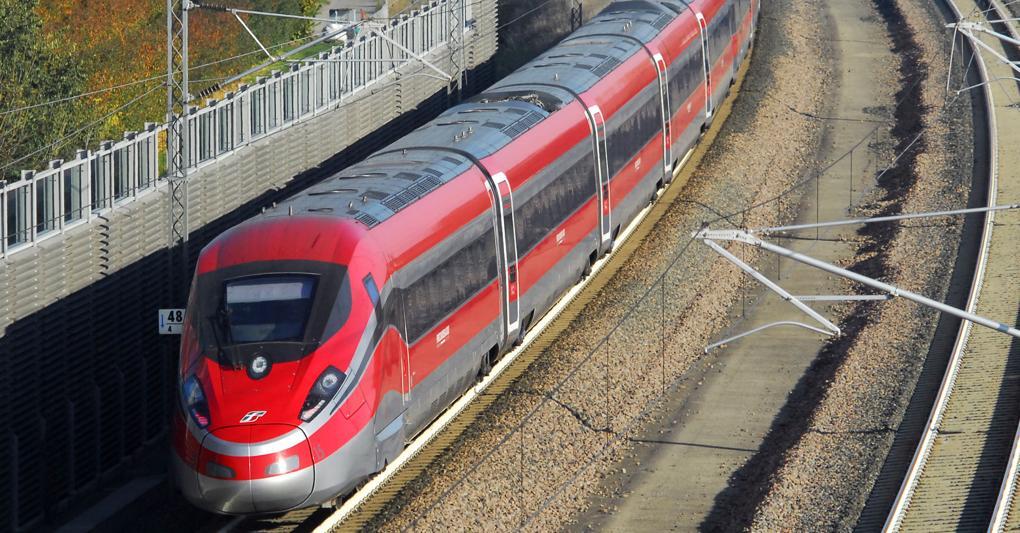 Treni in tilt, fortissimi ritardi per principio di incendio
