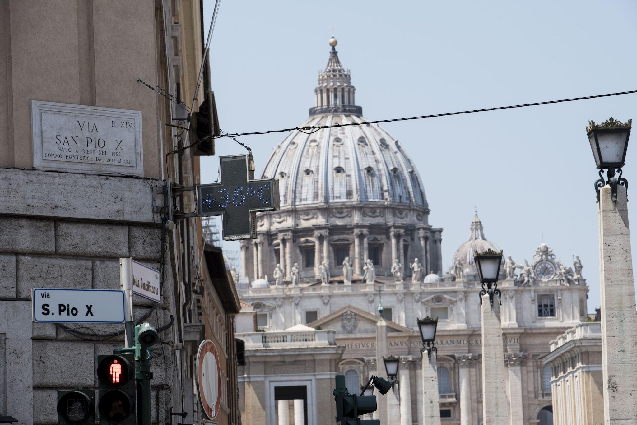 15 Architetti Famosi vaticano: la catena delle responsabilità dentro la curia e
