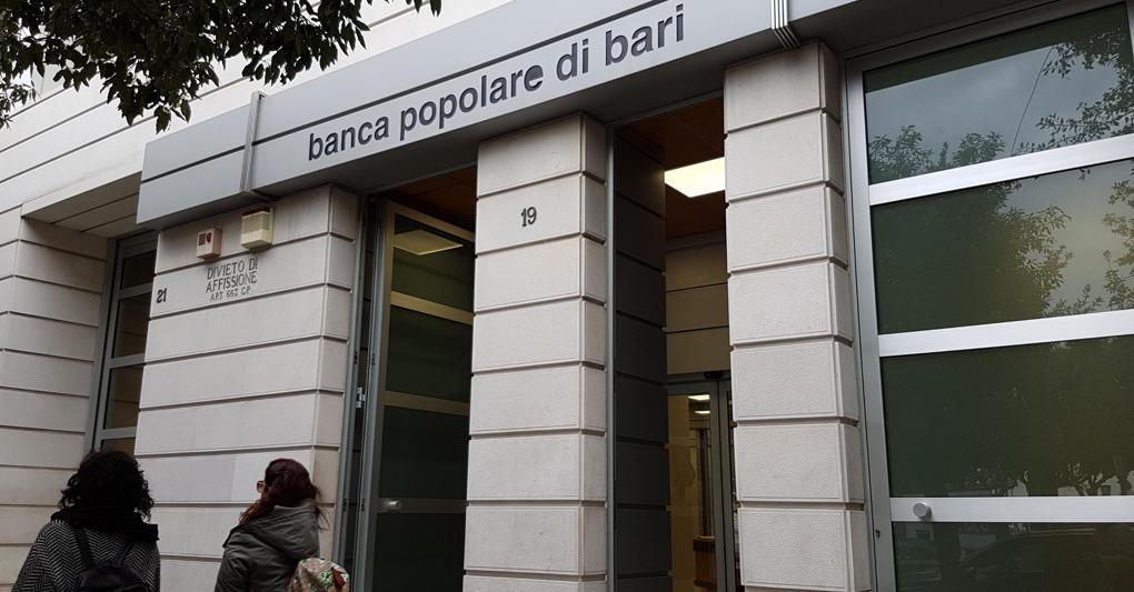 Una filiale della Banca Popolare di Bari (ANSA)