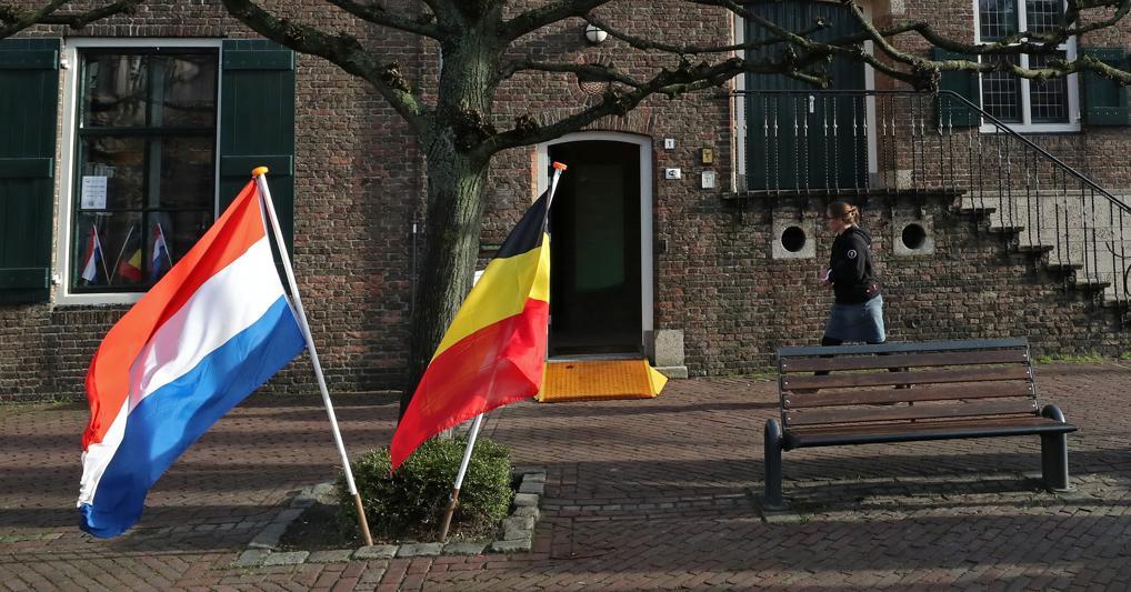 Baarle Nassau, il borgo belga/olandese che taglia coronavirus (e doveri) in due