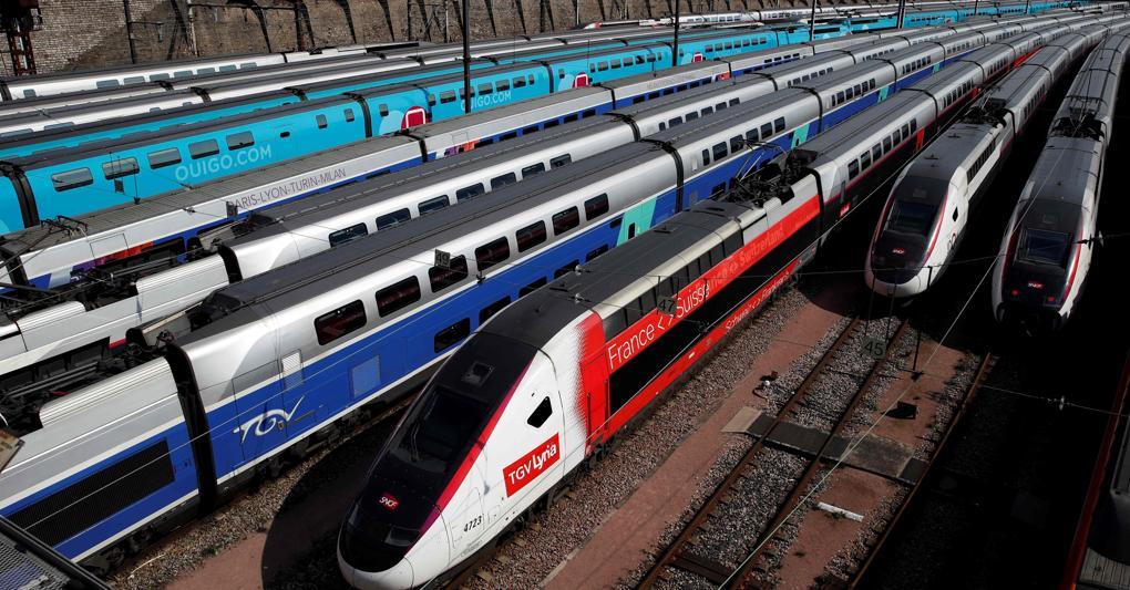 Tutto fermo: i treni dell'alta velocità francese parcheggiati vicino alla stazione di Lyon nel 23° giorno di  lockdown