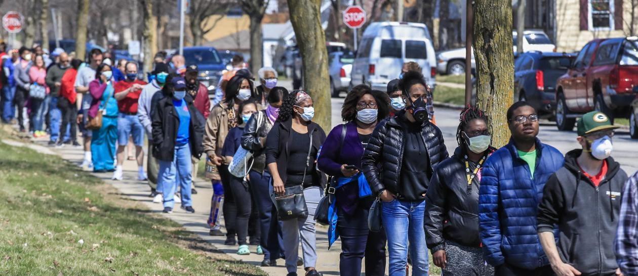 Primarie in Wisconsin con la mascherina per paura del coronavirus - Il Sole  24 ORE