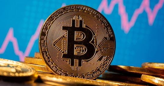 Bitcoin o Oro: dove è meglio investire? Confronto andamento prezzi e opinioni hedge
