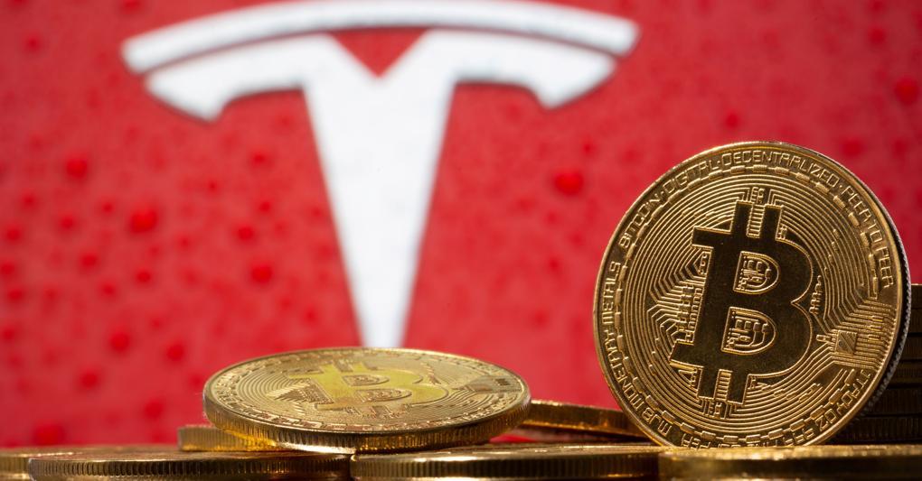 Tesla azzera i guadagni del 2021:ora è «vittima» del bitcoin