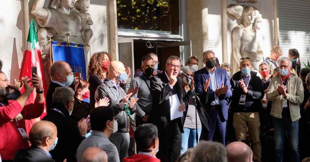 Assalto alla Cgil, presidi in tutta Italia. «Matrice fascista», scontro Meloni-Letta thumbnail