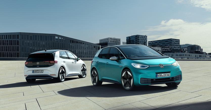 Incentivi auto, tutti i modelli elettrici scontati fino a 10.000 euro thumbnail