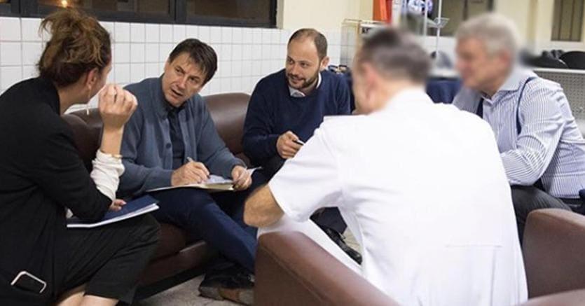 Al centro, Giuseppe Conte e Dario Adamo