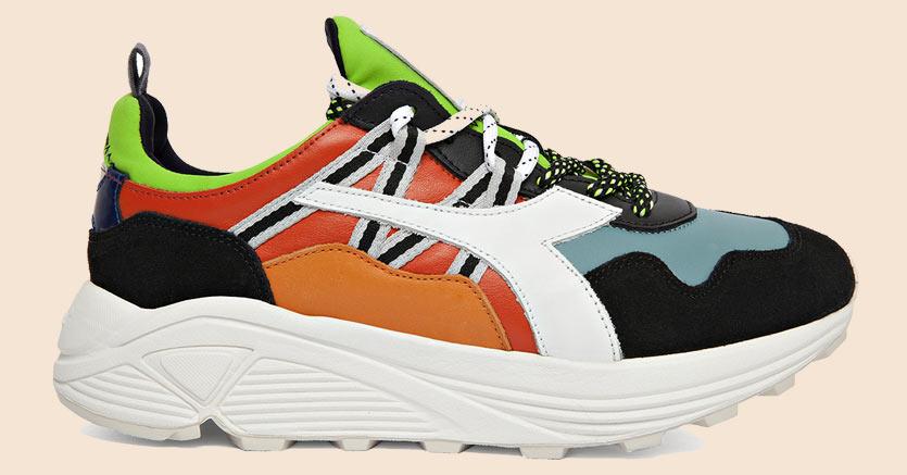 I nuovi modelli si inseriscono nel filone di snekaer con suola molto alta e contrasti di colori