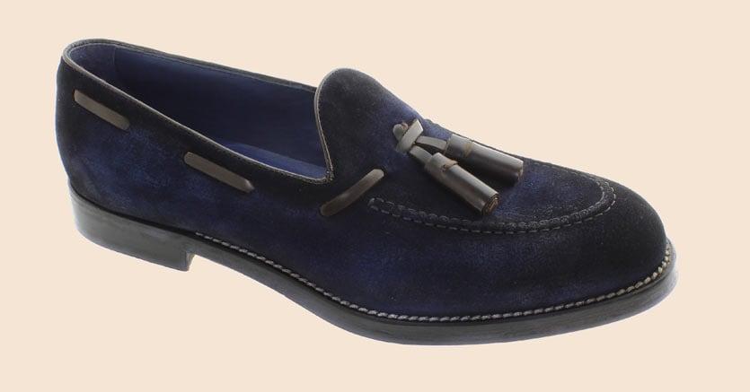 Abbinamenti di colore e materiali innovativi per modelli super classici di calzature maschili