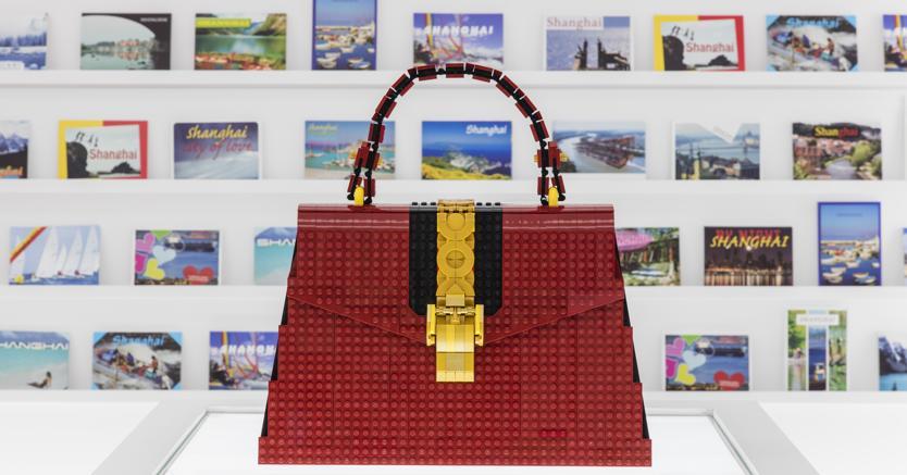 afa85a84d7 L'arte (e il business) alla sfida imitazioni: la versione di Gucci ...