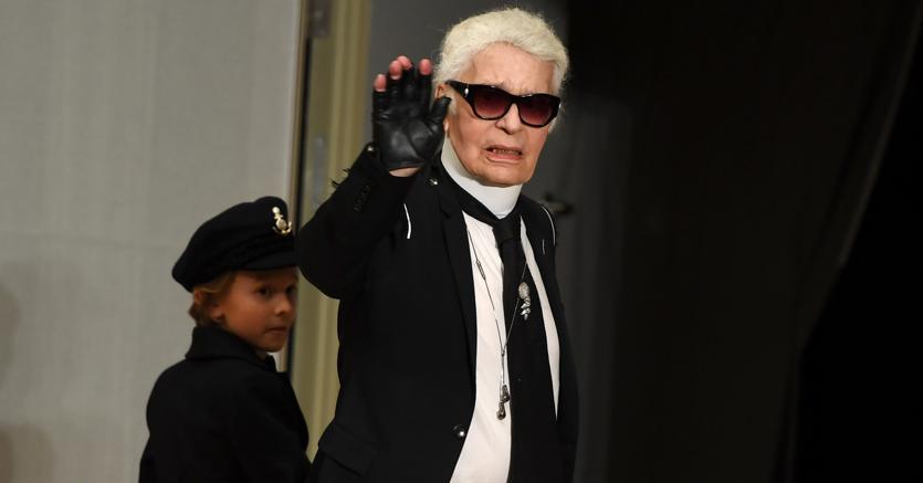 Karl Lagerfeld morto: stroncato da un brutto male a 85 anni