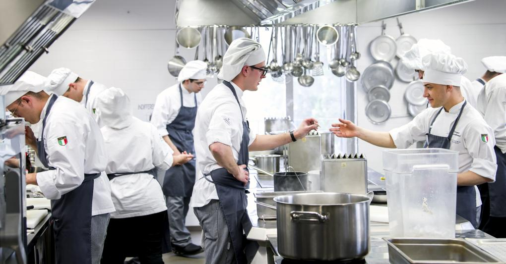 Scuole Per Chef Qui Nascono I Cuochi Del Futuro Il Sole 24 Ore