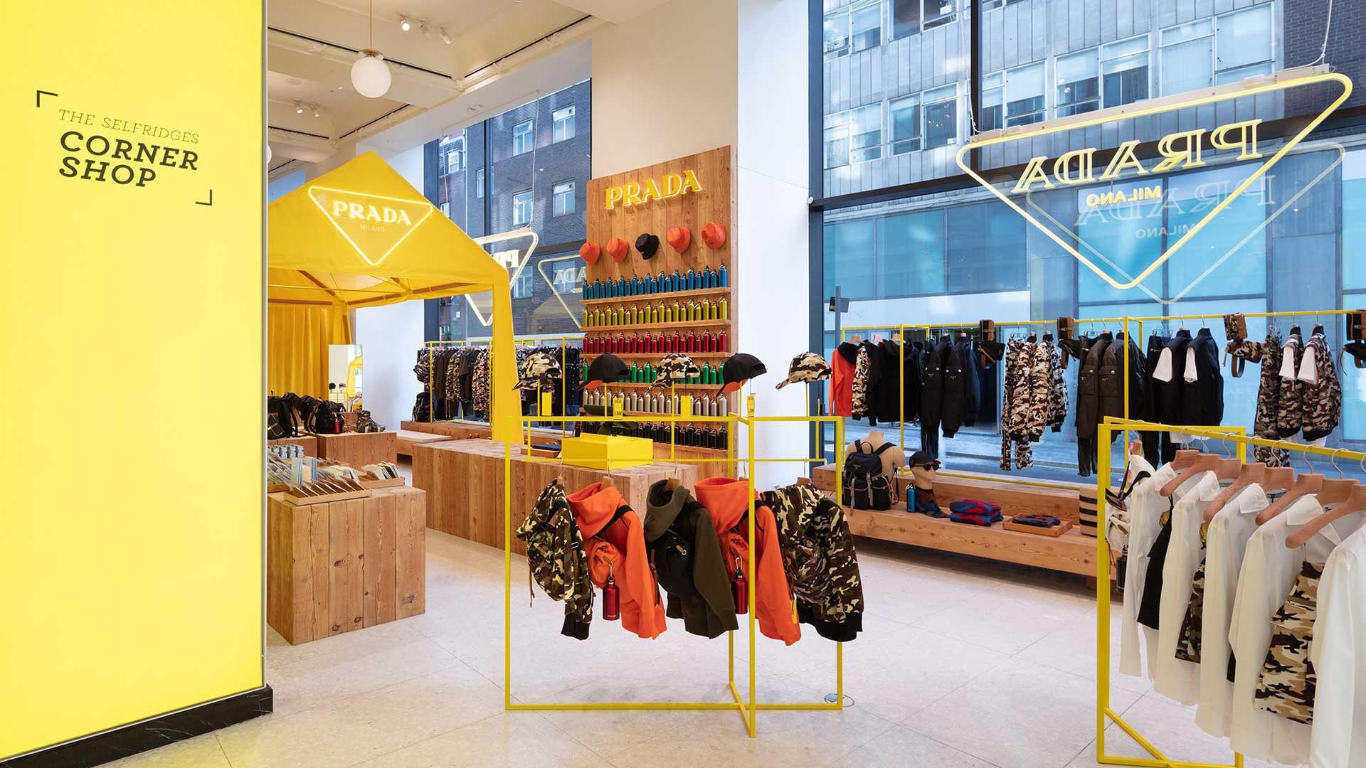 """Prada conquista Londra con il suo negozio """"glamping"""" da"""