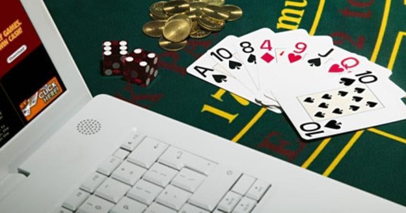 cf8dd4e7fe GIOCO D'AZZARDO DIGITALE. Gambling online, gli italiani bruciano 1,3  miliardi di euro l'anno