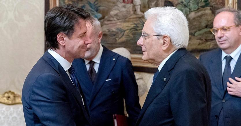 Giuseppe Conte, nuovo presidente del Consiglio,  e Sergio Mattarella, presidente della Repubblica. (Afp)