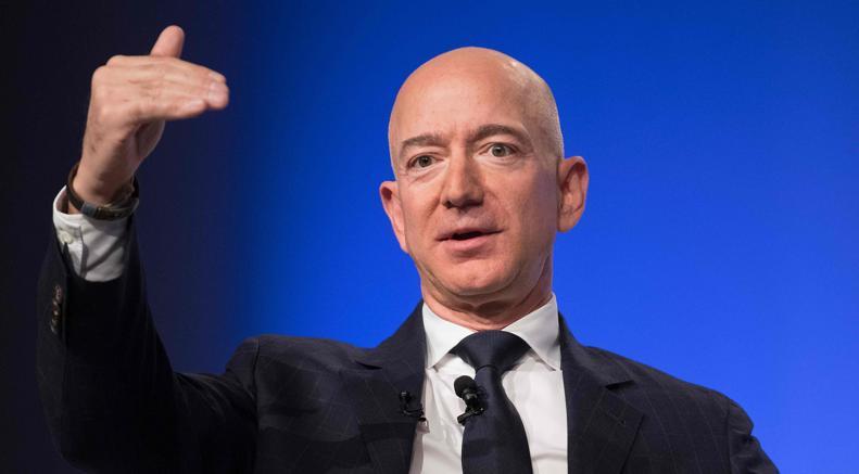 Bezos accusa tabloid vicino a Trump, mi hanno ricattato