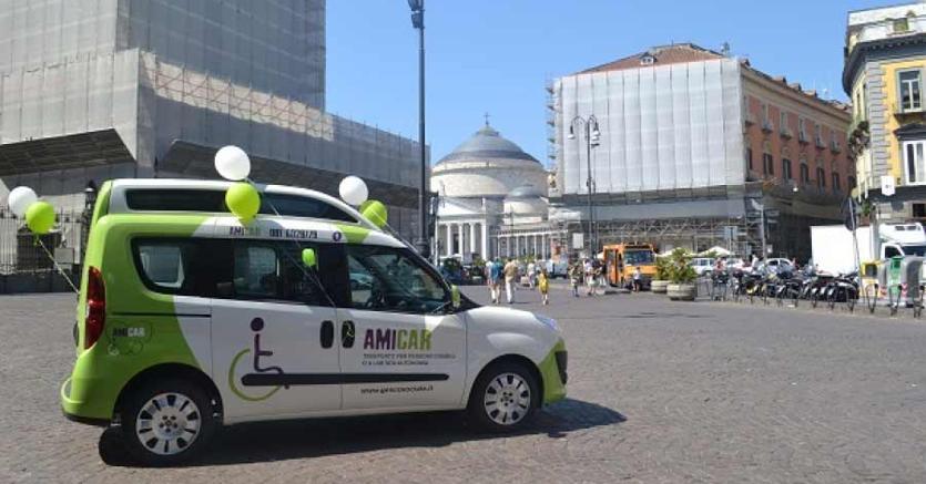 Napoli. Car sharing elettrico Amicar