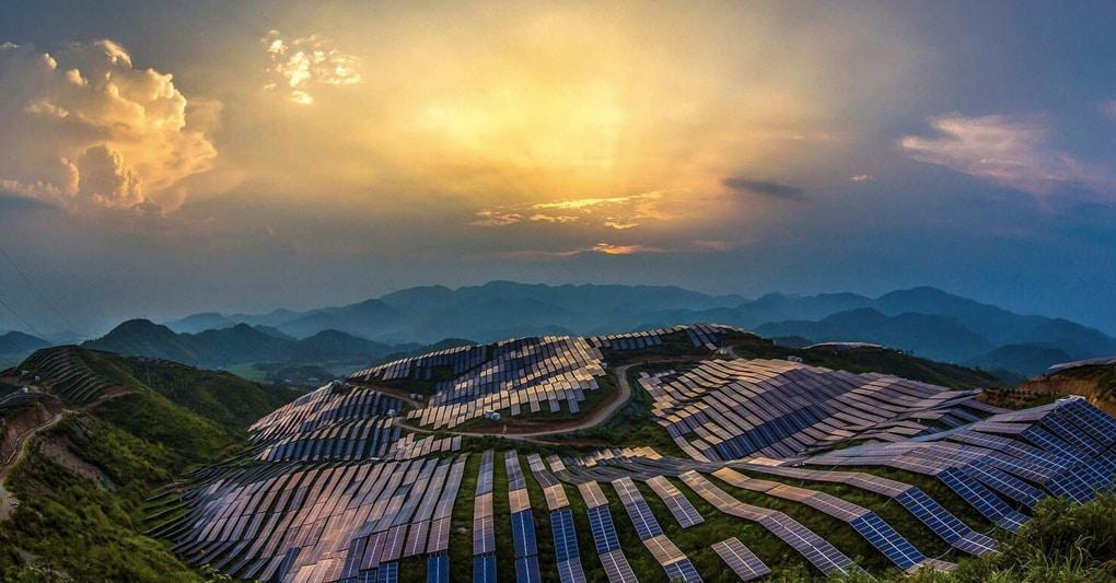 La Francia nel «club del Gigawatt» con il parco fotovoltaico più grande d'Europa