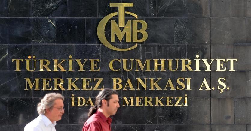 Turchia: Erdogan chiede taglio tassi, lira a picco - Economia