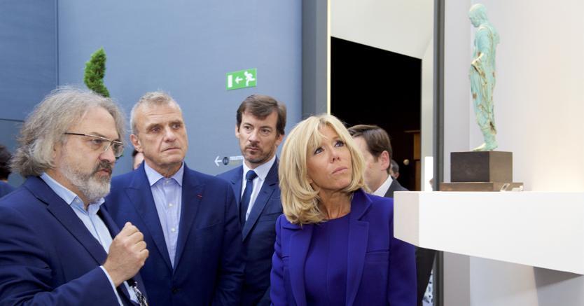 Madame Brigitte Macron in visita allo stand di Cahn nel pomeriggio del 10 settembre
