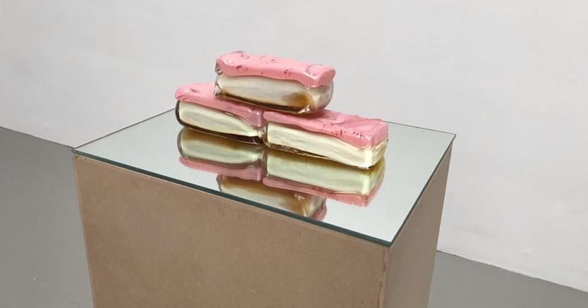 Opera di Maria Roosen presso la galleria Fons Welters, sold out per l'artista Olandese