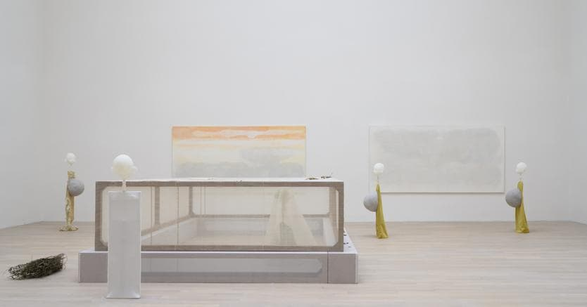 Cathy Wilkes, Untitled, 2019, Mixed Media, dimensioni variabili. Veduta dell'installazione, Cathy Wilkes, British Pavilion, Biennale Arte, Venezia, 2019.