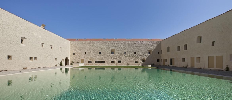 Convento das Bernardas in Tavira, Portogallo. Progetto di Eduardo Souto de Moura, photo di Luis Ferreira Alves (Premio di Architettura per l'intervento sul patrimonio culturale)