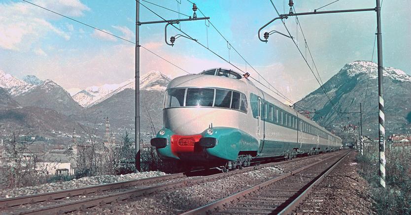 Un'immagine del Settebello, il treno rapido simbolo del boom economico italiano. In servizo dal 1952 al 1992. Costruito dalla Ernesto Breda