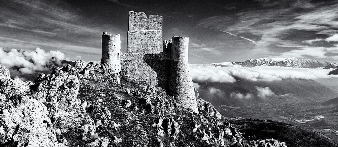 Omaggio a Michael Kenna. Rocca Calascio, Abruzzo, Italy, 2007 - Steve Middlehurst