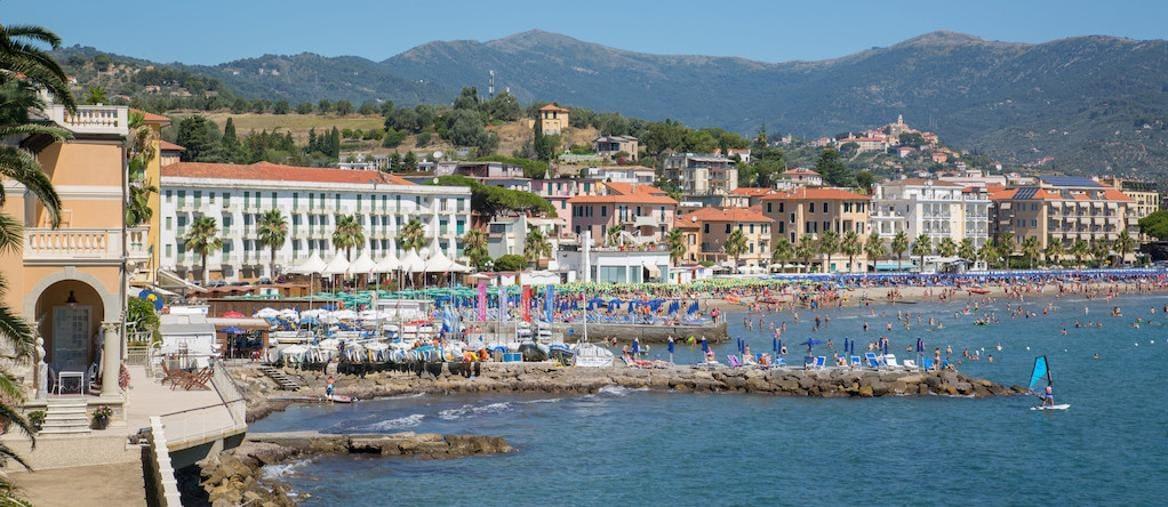 Bandiere blu: ecco le spiagge e i laghi italiani premiati per la sostenibilità
