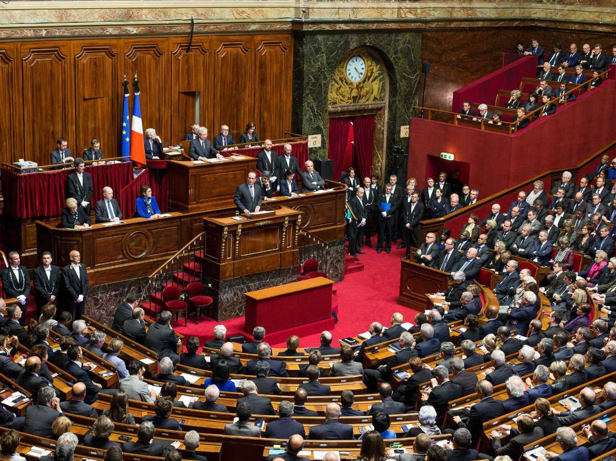 Il parlamento francese accoglie la richiesta di prolungare for Rassegna stampa parlamento