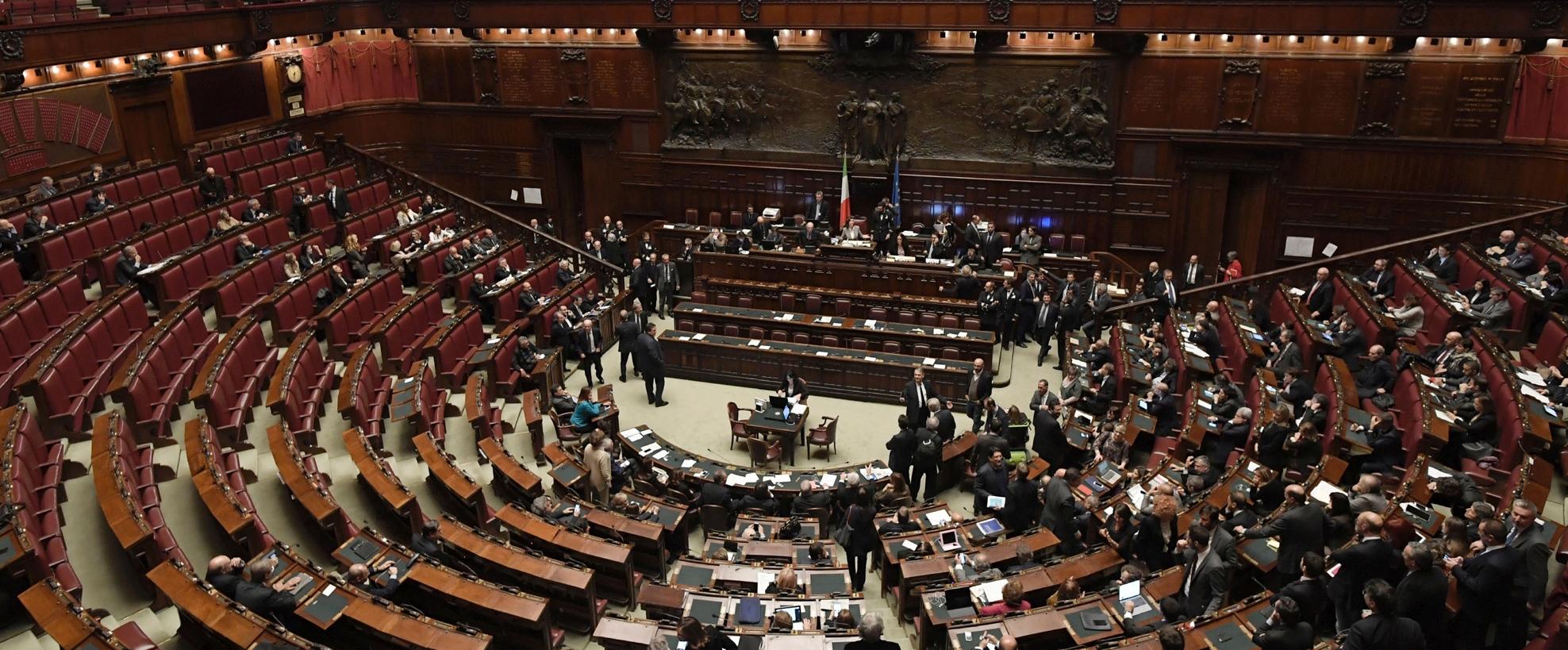 Le caste del parlamento radio24 for Rassegna stampa parlamento