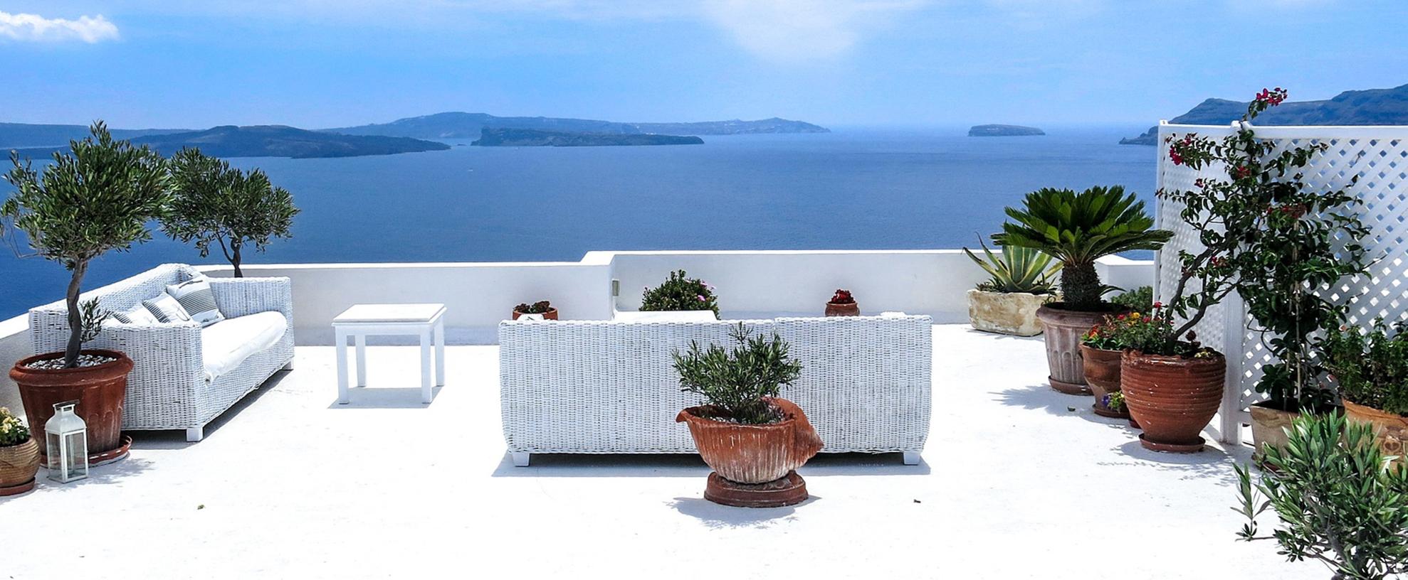 Nuova vita al terrazzo come comporre fioriere e vasi - Comporre un giardino ...