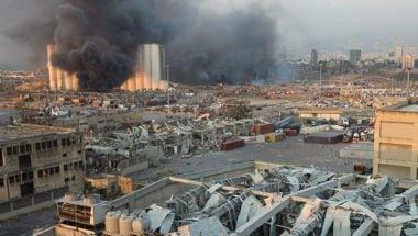 DIRETTA/Esplosione a Beirut, devastata la zona del porto thumbnail