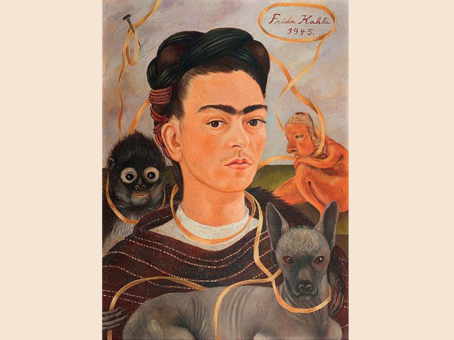 Autoritratto con scimmietta,  1945,  olio su masonite (© Foto Erik Meza / Xavier Otaola - © Archivo Museo Dolores Olmedo, ©Banco de México Diego Rivera Frida Kahlo Museums Trust, México, D.F. by SIAE 2018)
