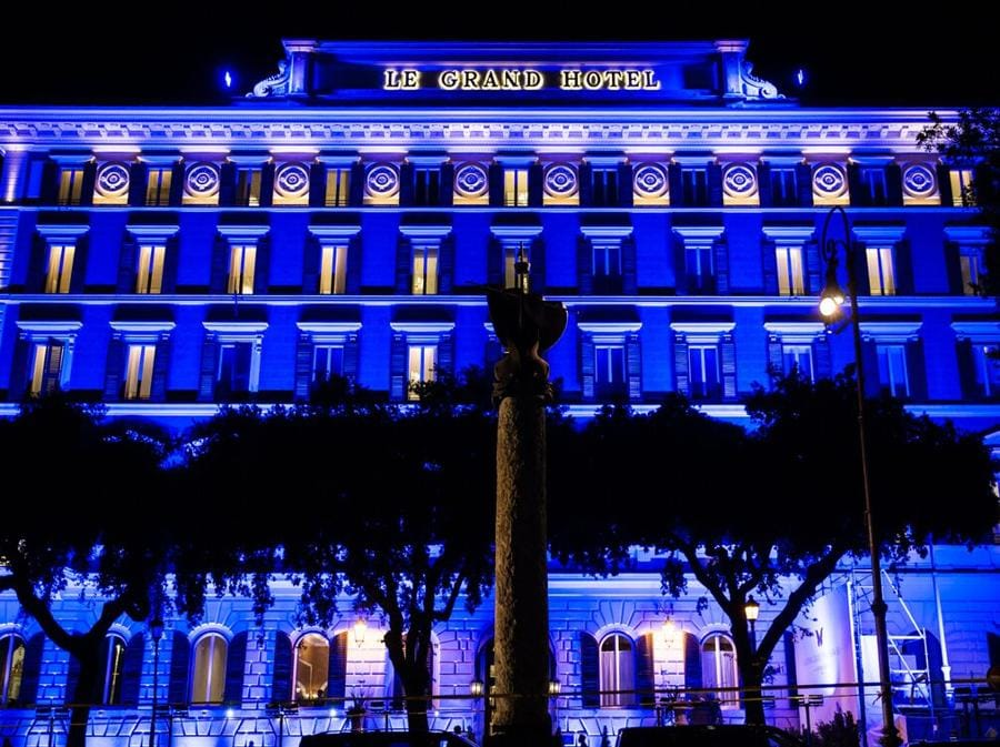 La facciata originale dell'hotel all'epoca dell'inaugurazione nel 1894. Allora si chiamava Le Grand Hotel