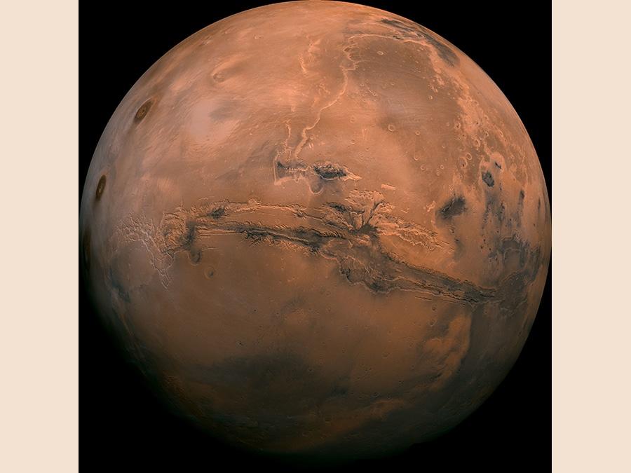 Questa immagine messa a disposizione dalla NASA mostra il pianeta Marte. (NASA via AP)