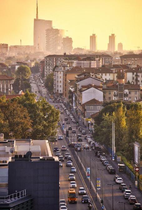 Veduta verso viale Sarca e verso lo skyline