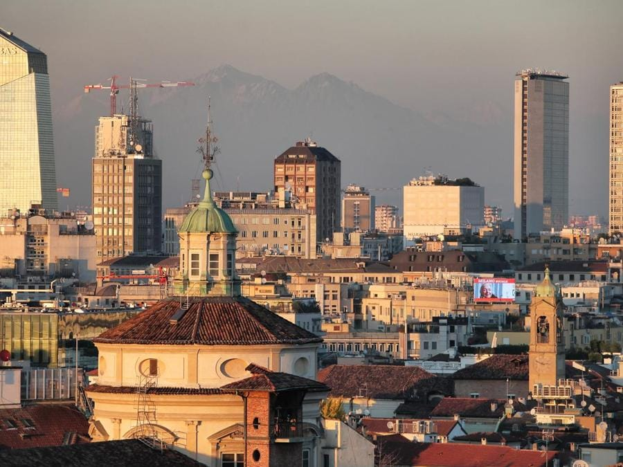 Veduta verso Torre Diamante, Grattacielo Pirelli e Torre Breda